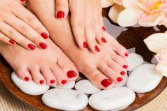 5 smart tips to keep your manicure longer